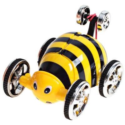 Ztřeštěná včelka na dálkové ovládání