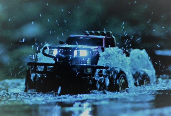 Vodotěsný Hummer 1/10 - nejede