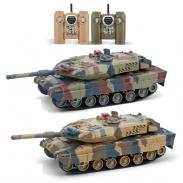 Velké soubojové tanky Leopard  zelený je poškozený